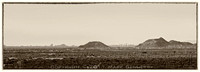 Phoenix downtown skyline mountains 20111210 panoS